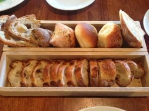 ポンレヴェックのパンのセット
