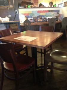 ポンレヴェックのテーブル