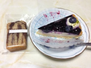 Organic Vegan Sweetsのタルトとケーキ
