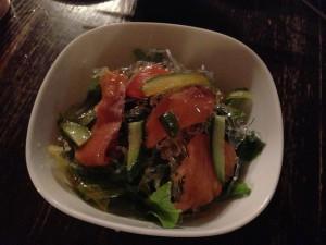 サーモンと海藻の夏野菜サラダ