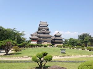列から見る松本城