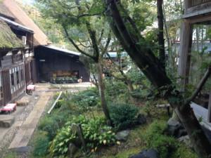 中庭の景色