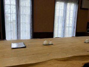 大きいテーブル席