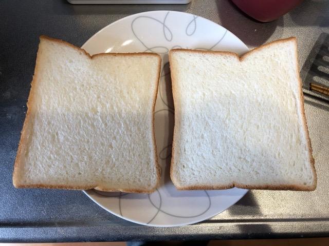 食パン2枚準備