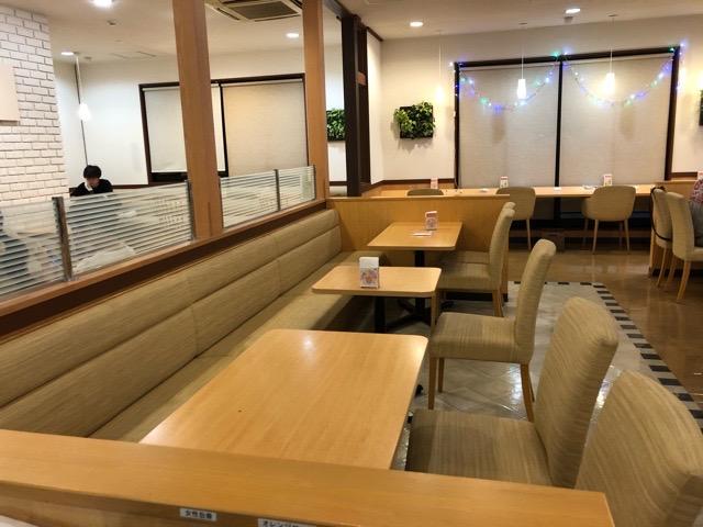 モスバーガー 稲沢アクロスプラザ店 座席